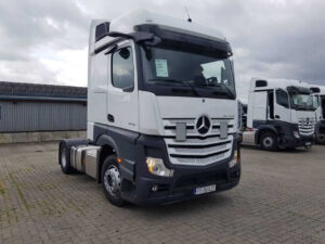 Actros mirrorCam 1845 for rent
